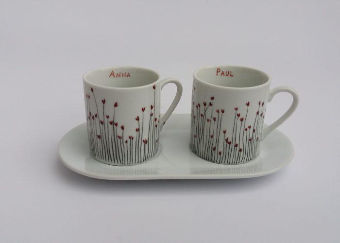 Cadeau de mariage. Duo de café aux prénoms des mariés.