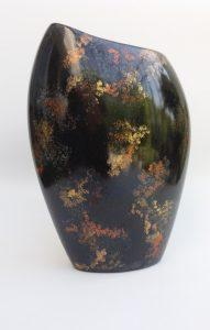 peinture-sur-porcelaine-creations-collection-origines-vase-asymetrique